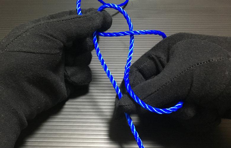 幹糸を掴む